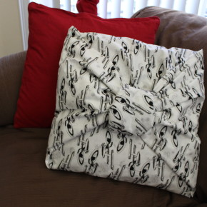 10 Minute DIY: How to Make a Star Trek Pillow Cover